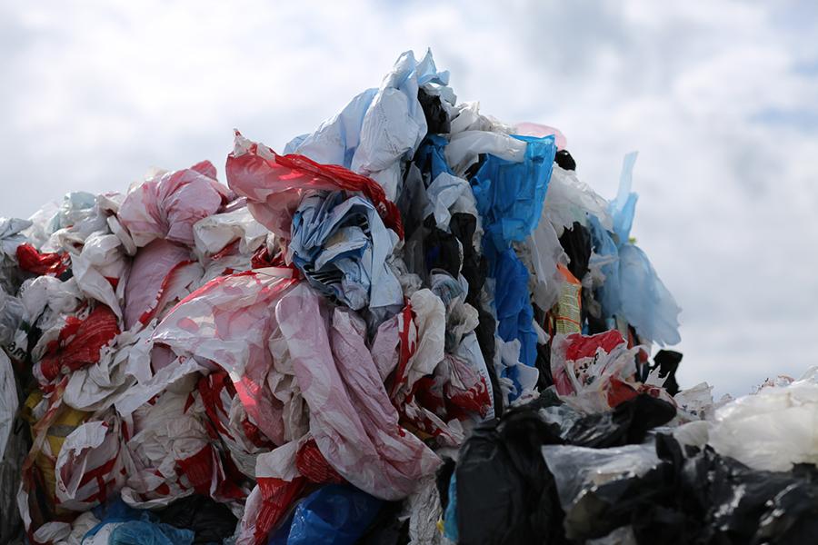 """SIA """"Eco Baltia vide"""" aicina: nededzini plēvi, nodod to pārstrādei!"""
