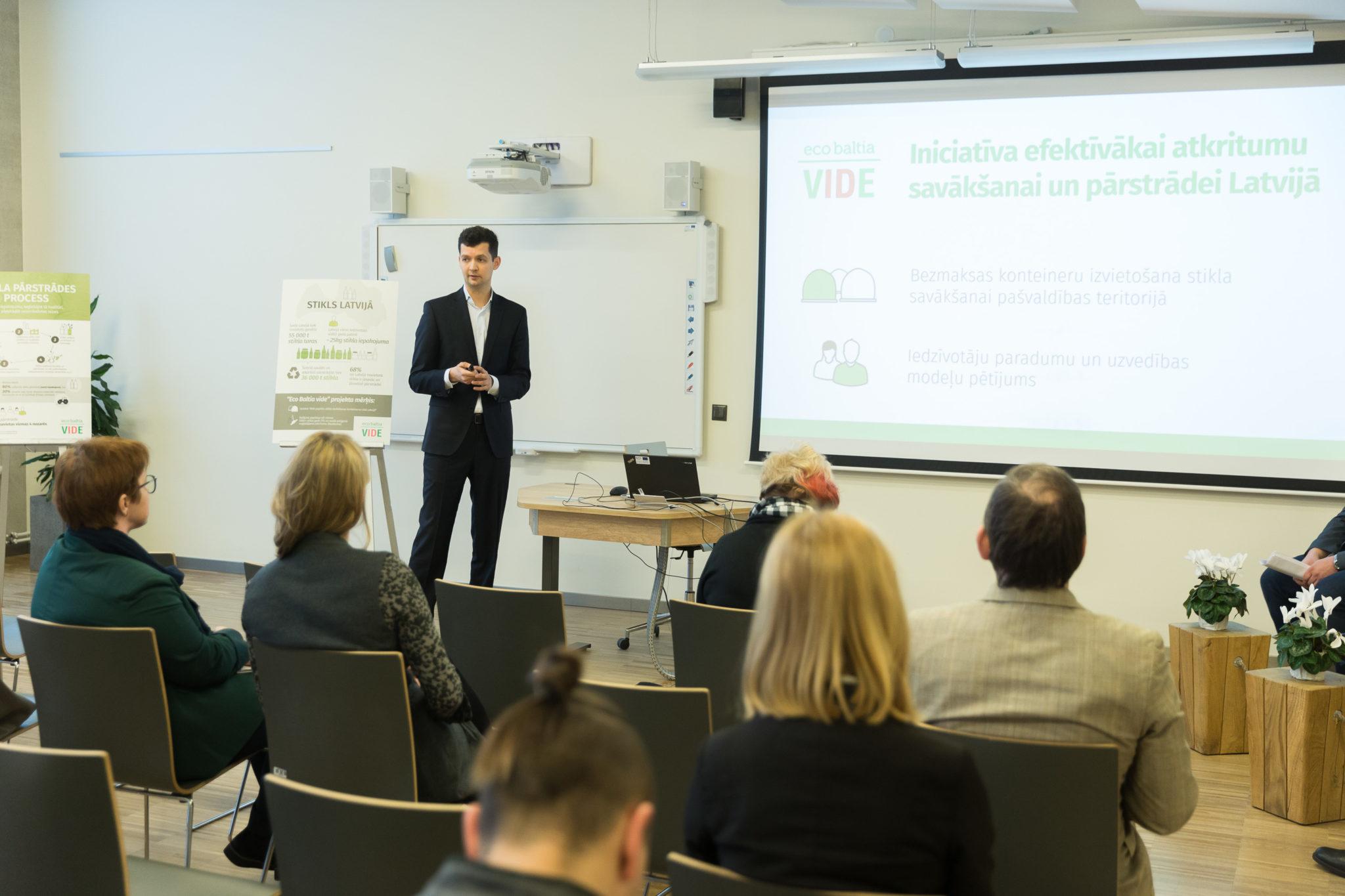 """Iesaistot pašvaldības, """"Eco Baltia vide"""" šogad plāno izvietot papildus 1000 konteinerus stikla savākšanai"""