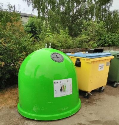 Jau 49 novados izvietoti 866 jauni konteineri stikla šķirošanai